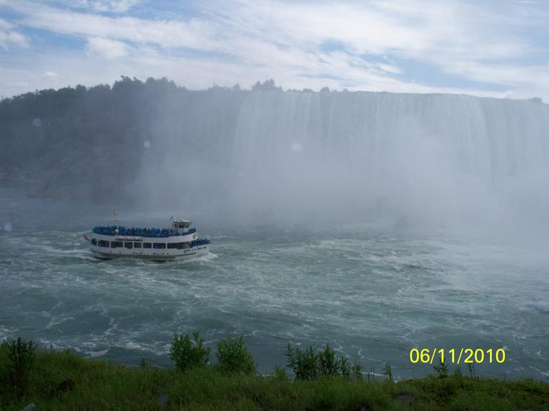 maid of the mist - Niagara Falls & Around