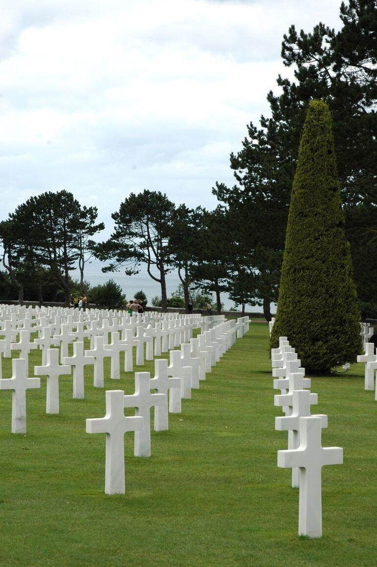 Normandy American Cemetery - Paris