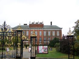Kensington Palace Entrance, William L - January 2010