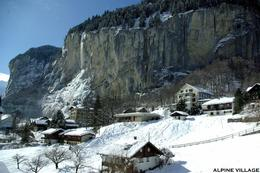 View towards Lauterbrunnen from the cog-wheel train., Gary G - March 2009