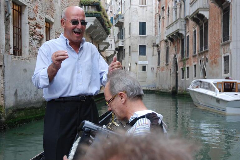 Private gondola ride with serenade - Venice