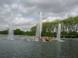 Hearing classical music and watching the changing fountain spray made it a more magical day . , George H - May 2015