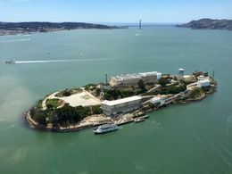 Great views of Alcatraz. Pilot flew on all sides. , Lisa P - June 2016