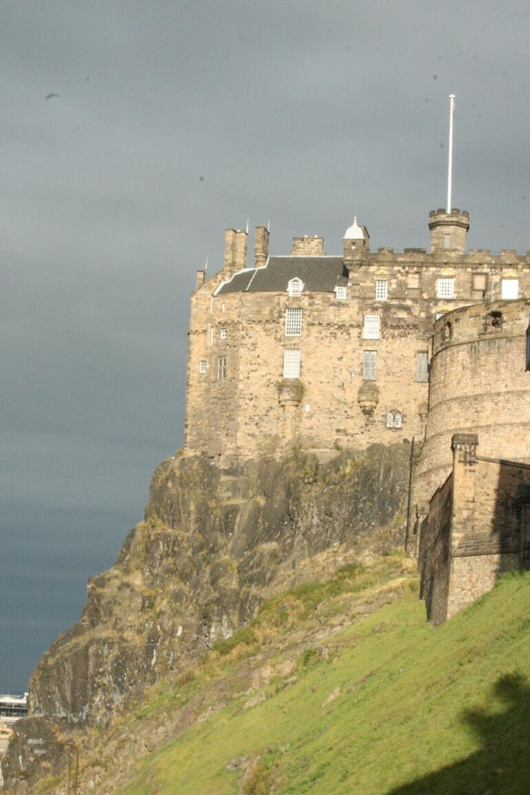 Edinburgh Castle - Edinburgh