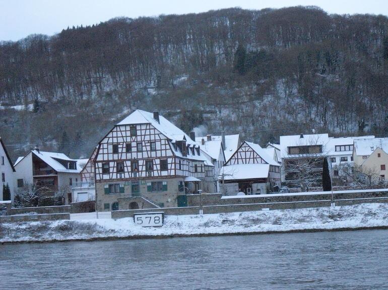 km 578 - Rhine River