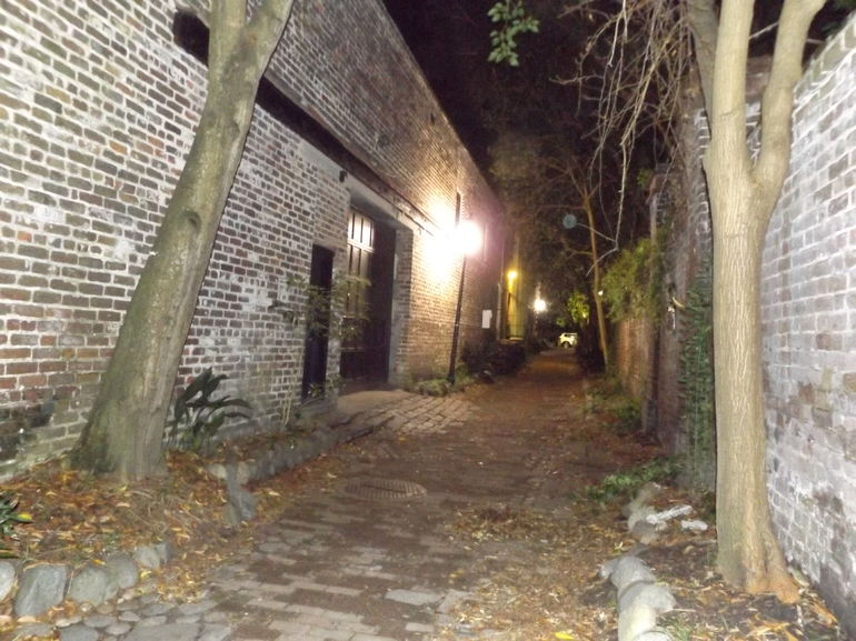 Charleston Ghost & Graveyard Night-Time Guided Walking Tour photo 11