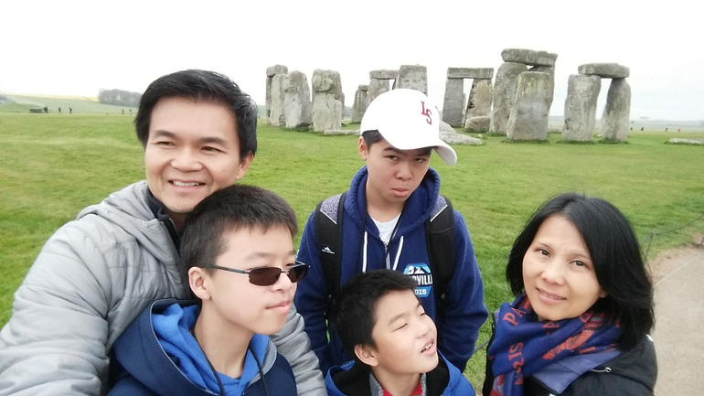 Bath, Stonehenge and The English Countryside Day Tour from London
