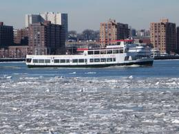 Photo of a boat on the Hudson River. January 2018 , Lucien H - January 2018