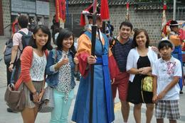 Thumbs up for posing with the guards!, euniceg - August 2012