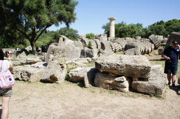 Contained the statue and altar of Zeus , cab0118 - July 2011