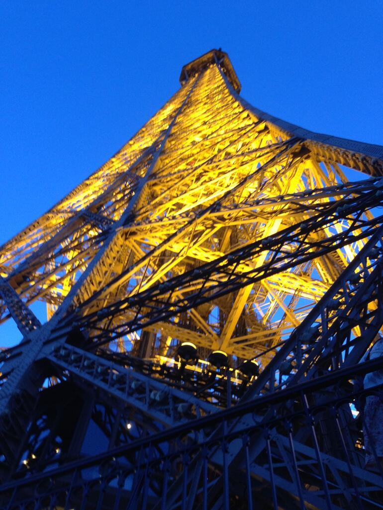 Endlich gluecklich oben! - Paris