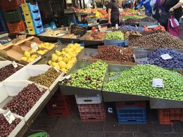 Walk through Fruit and Vegetable Market , Isabel E - January 2016