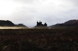 And a beautiful view of Kilchurn Castle., Bartosz L - January 2010