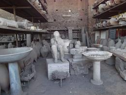 Bodies plastered in Pompeii, Louis C - October 2010
