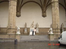 The Uffizi Gallery statues at the entrance to gallery,, Nabarun N - June 2008