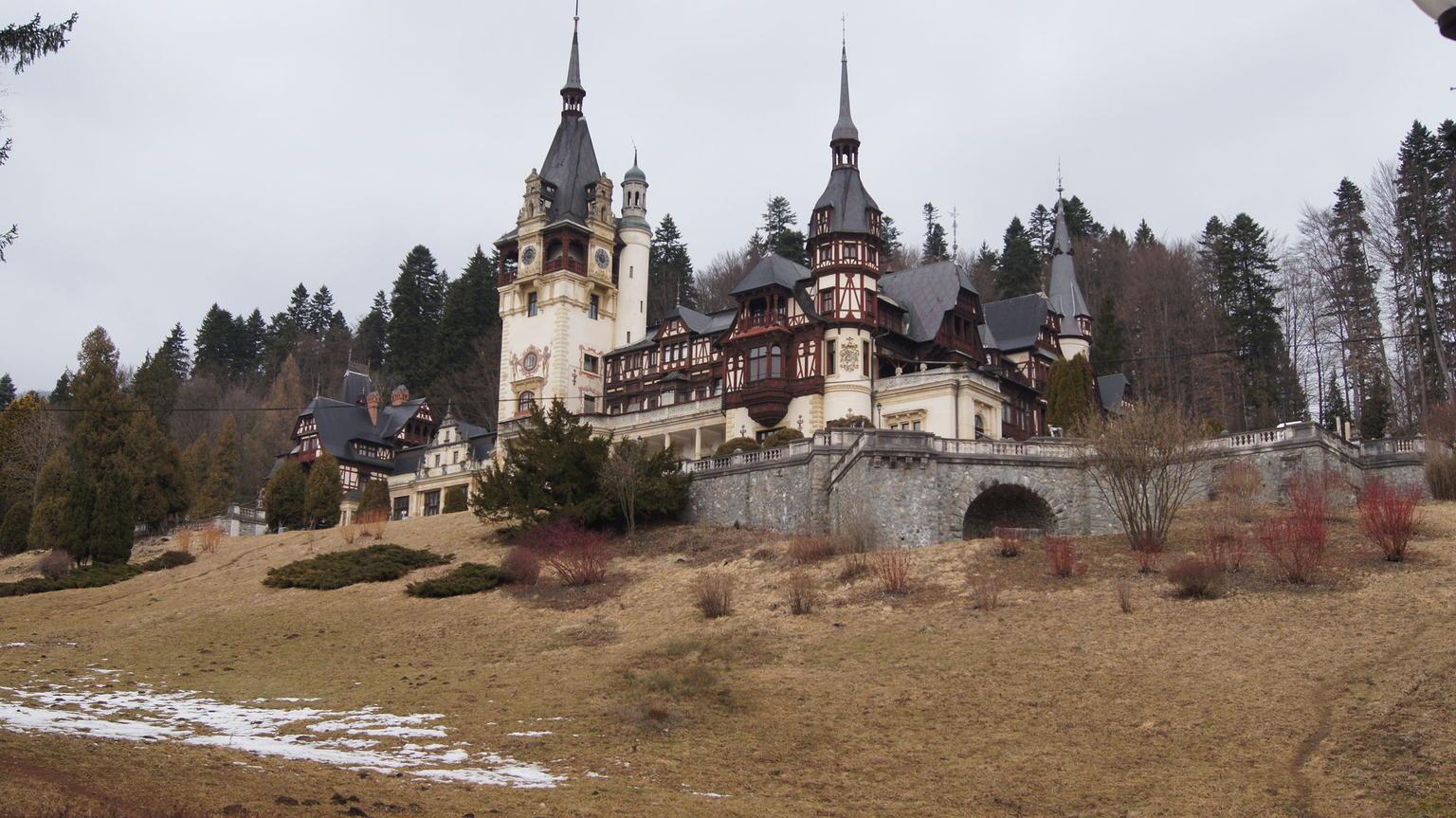 MÁS FOTOS, Day Trip Through Brasov in Transylvania and Bran, Peles, and Rasnov Castles