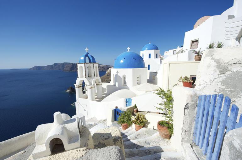Bright, beautiful morning in Santorini - Athens