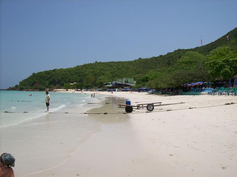 Tien Beach - Pattaya
