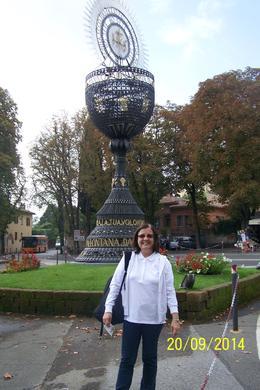Orvieto es una ciudad que queda en lo alto, hay que ir en funicular a la parte superior , Gloria R - October 2014