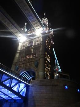 Cruising under the London Bridge! , Kenneth K - October 2013