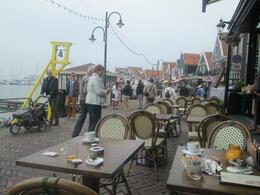 Volendam, beau village avec son joli port , Pierre V - May 2014