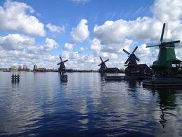 Les moulins du village pittoresque de Zaans Schans , Charles B - May 2015