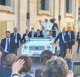 Pope Francis making his way into St Peters Square , onebeachcowboy - October 2017