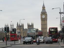 Nous sommes à l'étage du bus et nous nous éloignons de Big Ben et de Westminster , Francis M G - April 2013