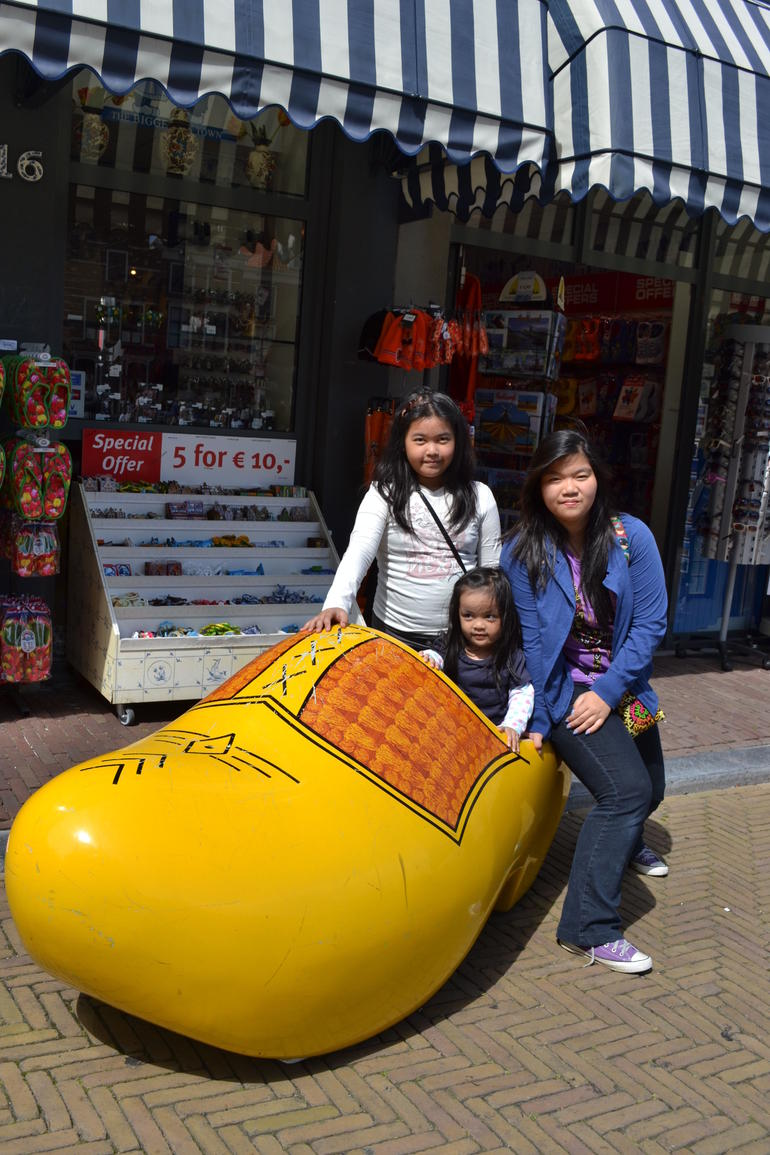 Girls in the shoe.... - Amsterdam
