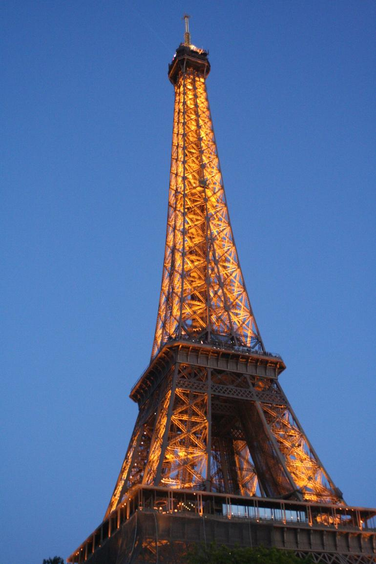 The Eiffel Tower at dusk - Paris