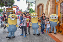 Ofcourse my little girls favorite, the Minions. , Gary C - December 2016