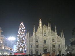Árbol Navideño iluminado junto al Duomo. , JOSE R. C - December 2015