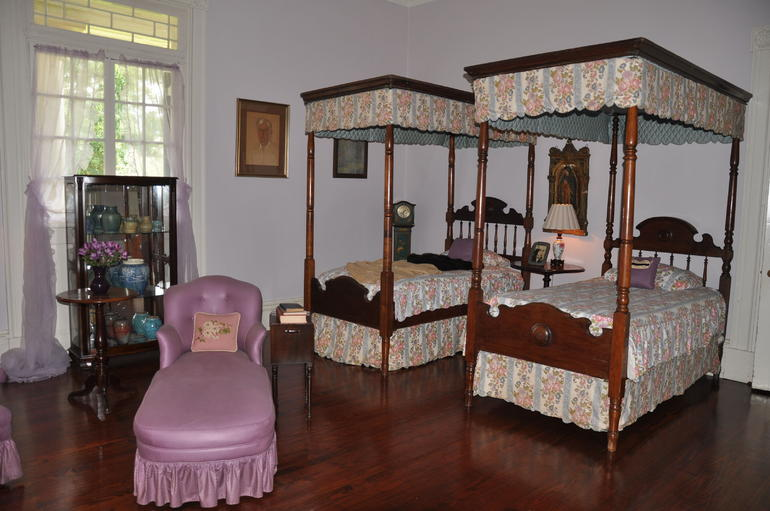 Oak Alley bedroom - New Orleans