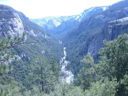A view from the road on the way to Yosemite Park, Emma Teresa V - April 2009