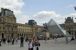 A stunning Summers day to visit the Louvre. , Graeme H - July 2015