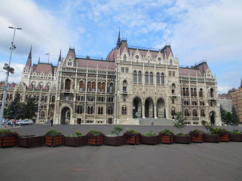 Budapest Parliament Tour Including Hotel Pick-Up