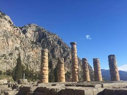 Temple of Apollo @ Delphi , Corpsie - January 2017