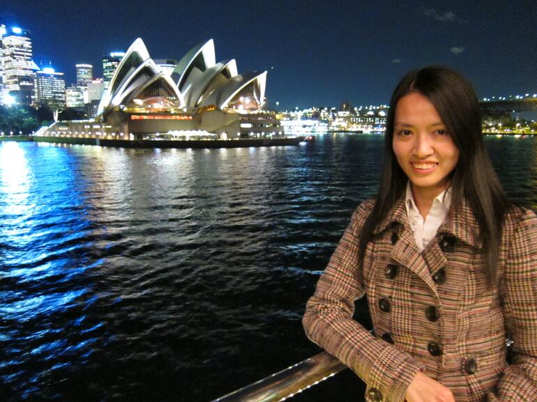 Viggy with the Opera House - Sydney