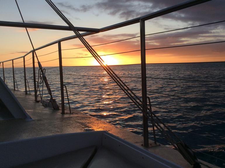 Waikiki Sunset Cocktail Cruise