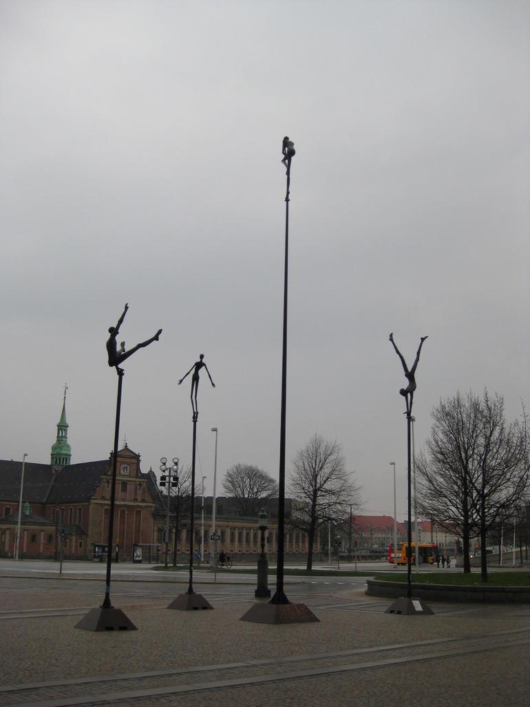 Acrobat sculptures - Copenhagen