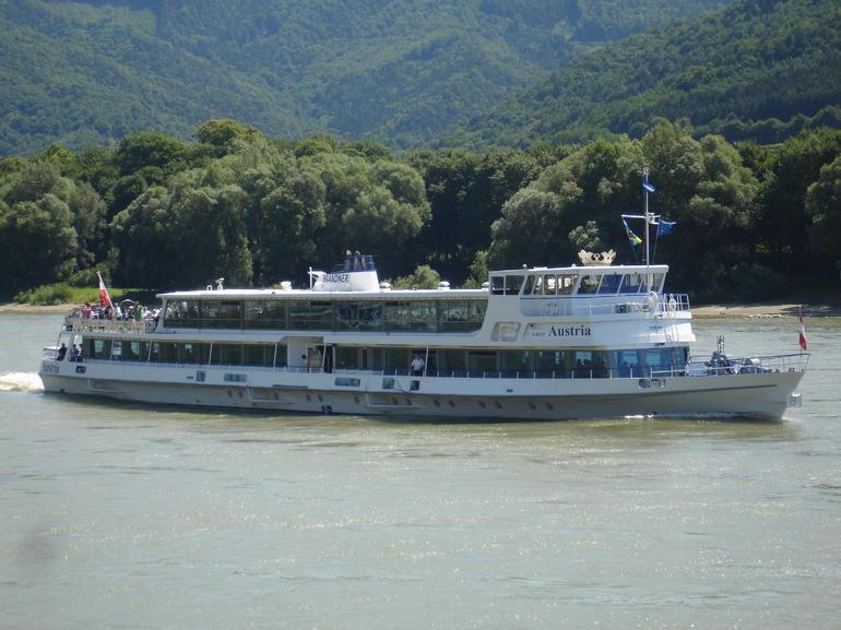 Boat trip - Vienna
