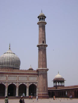 Delhi Mosque minaret , Balti-most - May 2011