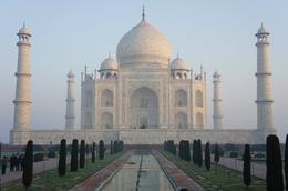Walking up to Taj mahal - August 2012