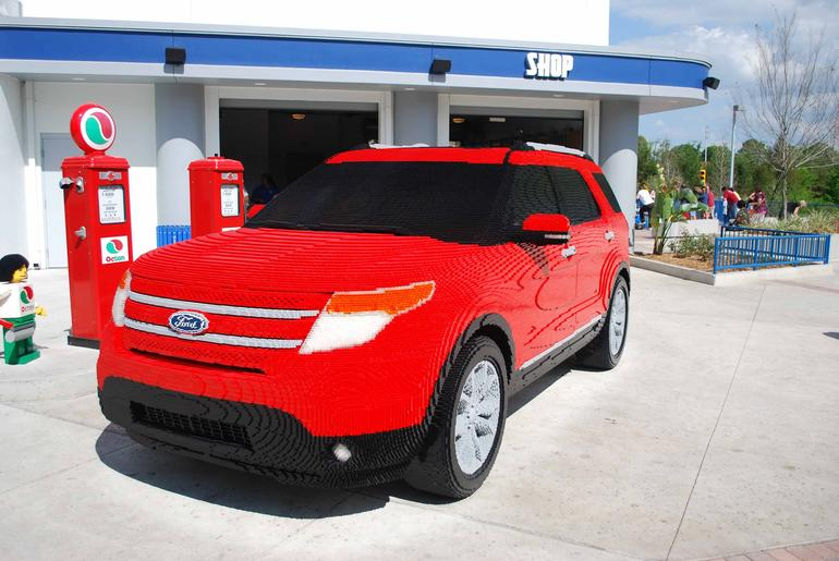 The incredible Ford Explorer (LEGO style) - Orlando