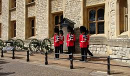 Guards at the Tower of London , L.D. - September 2017