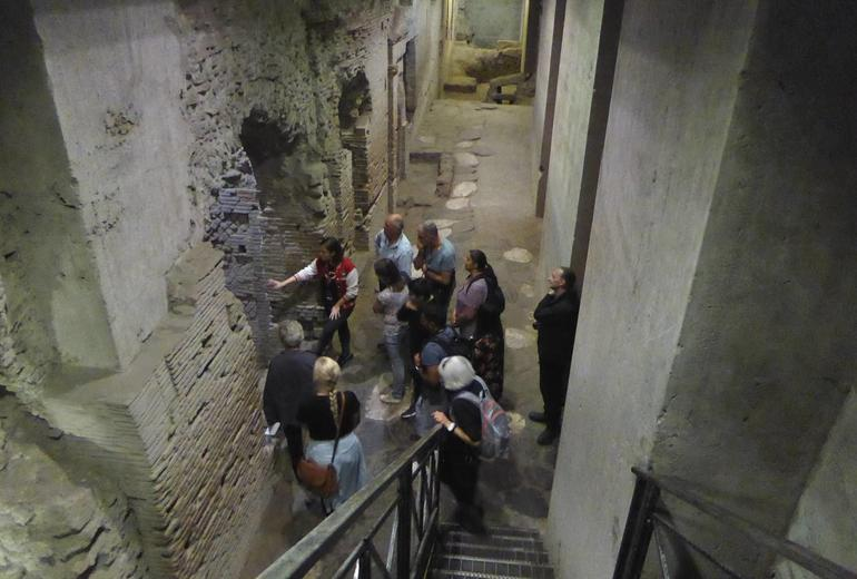 Naples Walking Tour with Underground Ruins photo 15