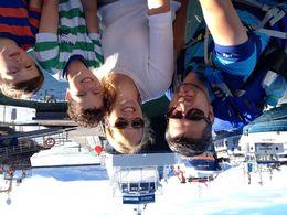 Hier zijn we voor de boot waar we mee op walvis spotten gingen , Elke v - August 2016
