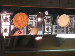 New Orleans cooking class: Cool ceiling mirrors so everyone can see what's on the stove top., Dan M - September 2010