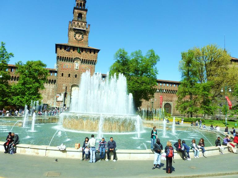 P1000584 - Milan