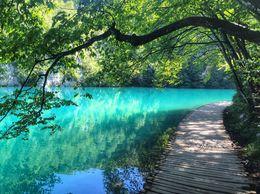 Stunning colours of the upper lakes , Elaine W - September 2015